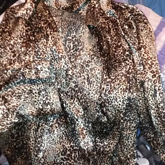 Ladies xl notations blouse